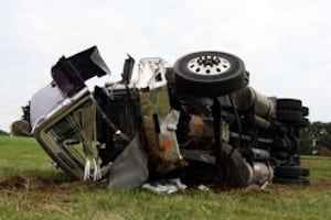 File a truck accident injury claim in Lake Worth Florida